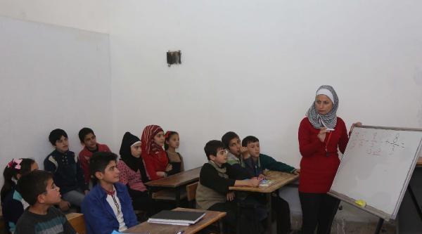 Mermer Deposu Suriyeli Çocuklara 'okul' Oldu