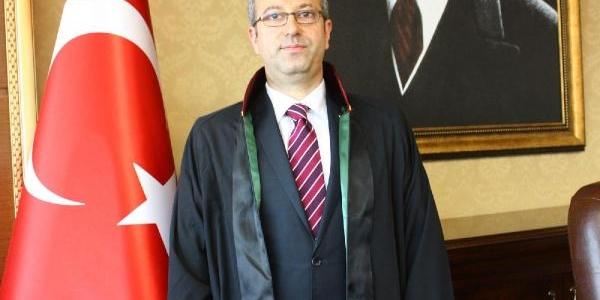 Mersin Barosu Başkani Antmen: Özel Hayat Siyasetçilerin Görev Alaninda Değildir