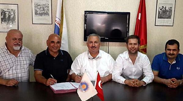 Mersin Büyükşehir İsmail Beleş'le İmzaladi