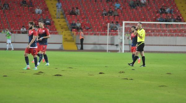 Mersin Stadı'nda Zemin Sıkıntısı