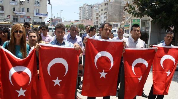Mersin'de 10'uncu Yıl Marşı İle Bayrak Tepkisi (2)