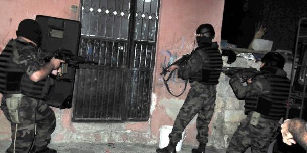 Mersin'de 600 Polisle Huzur Için Şafak Operasyonu