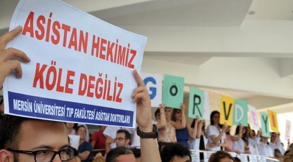 Mersin'de Asistan Hekimler İş Bıraktı