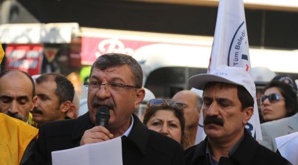 Mersin'de 'ayakkabi Kutusu' Ile Protesto