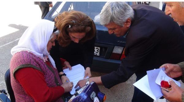 Mersin'de Engelli Kadın, Oyunu Okul Bahçesinde Kullandı
