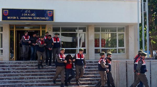 Mersin'de Jandarma, Sokak Satıcılarına Göz Açtırmıyor