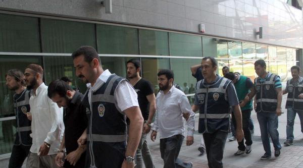 Mersin'de Kaçak Cep Telefonu Operasyonu: 11 Gözaltı