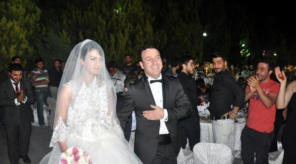 Mersin'de 'kürtçe Müzik' Tartışması - Ek Fotoğraflar)