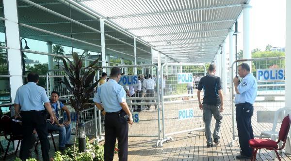 Mersin'de Otogar İhalesi Anlaşmazlığı Ulaşımı Durdurdu