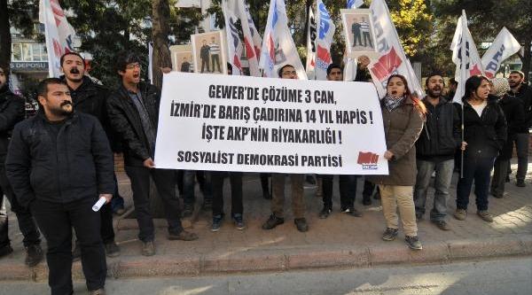 Mersin'de Sdp'liler Tutuklu Arkadaşlari Için Eylem Yapti