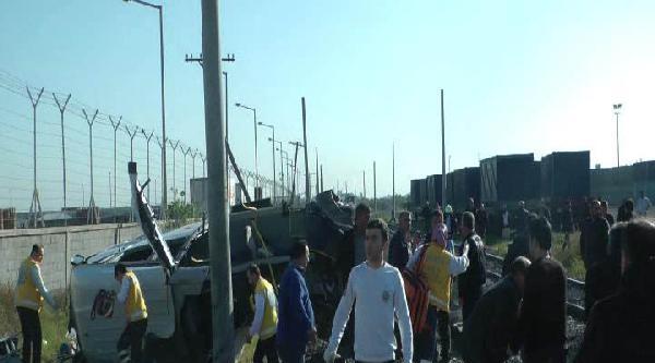 Mersin'de Tren İşçi Minibüsüne Çarpti: 9 Ölü, 8 Yaralı (2)