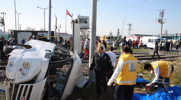 Mersin'de Tren İşçi Minibüsüne Çarpti: 9 Ölü, 8 Yaralı - Ek Fotoğraf