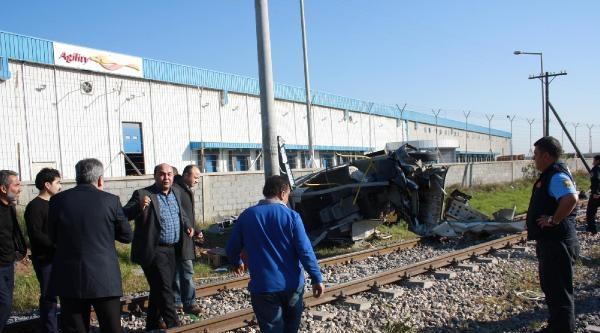 Mersin'de Tren İşçi Minibüsüne Çarpti: 9 Ölü, 8 Yaralı - Ek Fotoğraflar