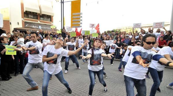 Mersin'de Tüsak'a Danslı Tepki