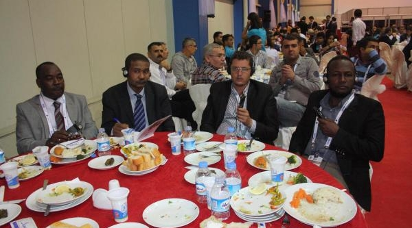 Mersin'de Uluslararasi Ticaret Ve Yatirim Forumu Başladi
