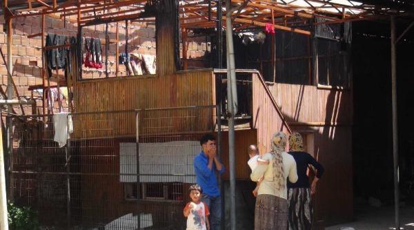 Metruk Binaya Yerleşen Suriyeli 4 Aile Ankara'ya Gönderildi