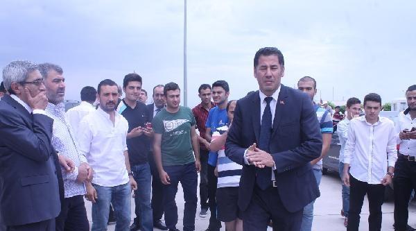 Mhp'li Vekillerden Sınırda Azeri Askerlere Başsağlığı