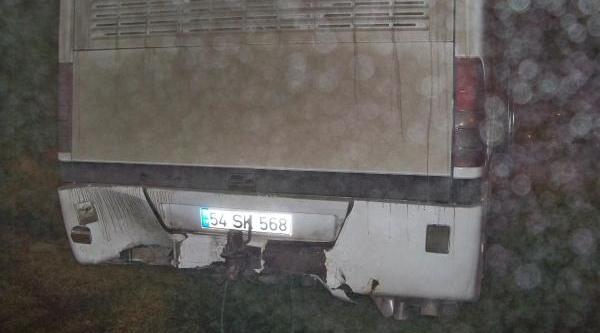 Mhp'lileri Taşiyan Otobüse Arkadan Otomobil Çarpti: 1 Yarali