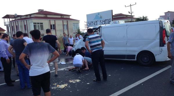Midibüs Karşı Şeride Geçip Takla Attı: 1 Ölü, 1 Yaralı