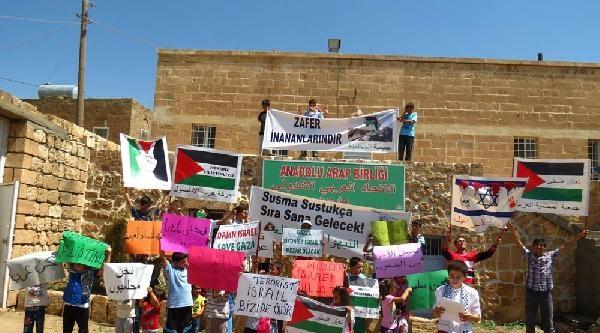 Midyatlı Çocuklardan İsrail'e 6 Dilde Pankartlı Tepki