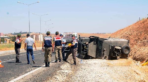 Midyat'ta Askeri Araç Devrildi: 9 Yaralı