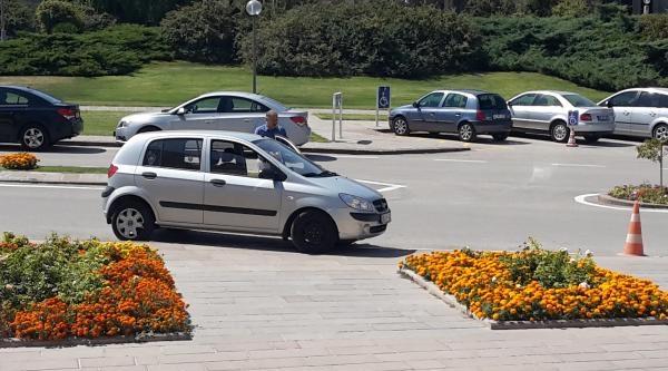 Milletvekilinin Mütevazı Otomobili