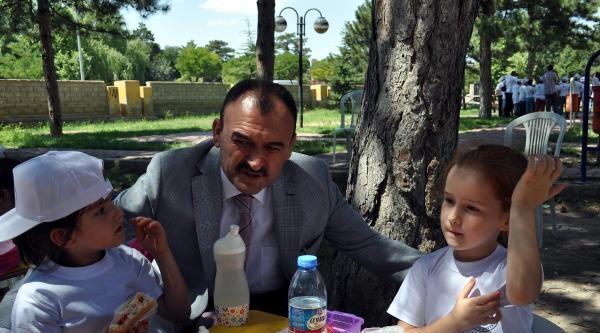 Milli Eğitim Müdürü: Okul Kayıt Ücreti Alınamaz