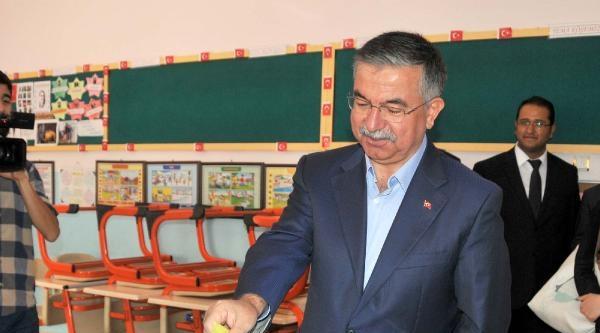 Milli Savunma Bakanı Yılmaz: Seçim Ülkemiz İçin Hayırlı Olsun