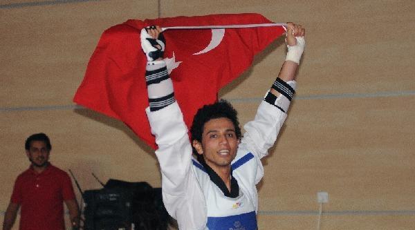 Milli Tekvandocu Servet Tazegül Avrupa Şampiyonu Oldu