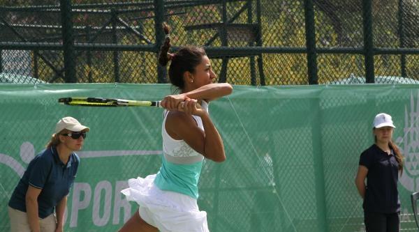 Milli Tenisçi Çağla, Kariyerinin En Yüksek Sıralamasına Ulaştı
