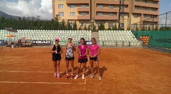 Millilerimiz Tenis'te Avrupa Üçüncüsü Oldu