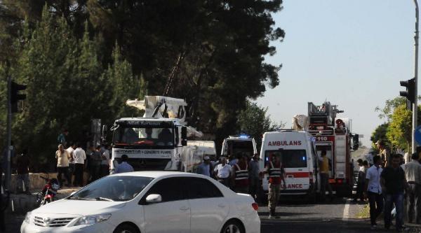 Minibüs Beton Mikserine Çarpti: 1 Ölü, 1 Yaralı