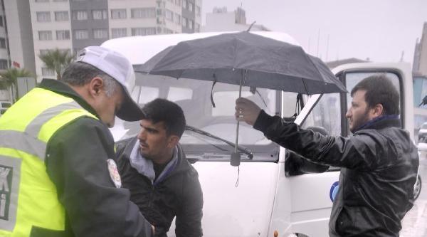 Minibüs Çarpan Yaya Yaralandı