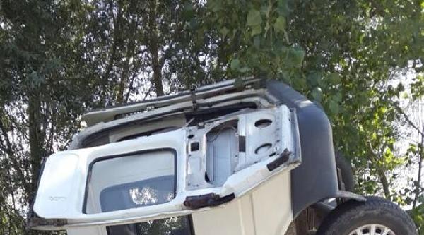 Minibüs Şarampole 'ok Gibi' Saplandı: 4 Yaralı