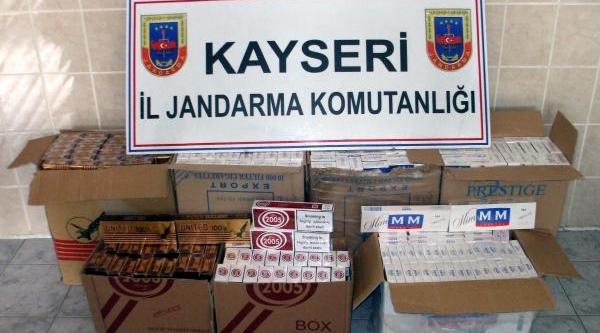 Minibüsten 14 Bin Paket Kaçak Sigara Çikti