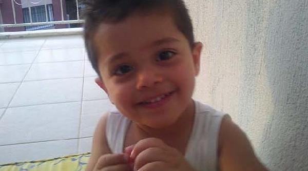 Minibüsün Çarptiği 3 Yaşindaki Çocuk Öldü