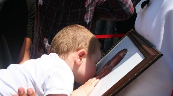 Minik Alparslan'dan Şehit Babasına Son Öpücük