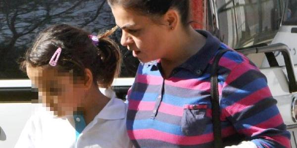 Minik Asya, Ablasini Uğurlarken Servis Araci Altinda Can Verdi