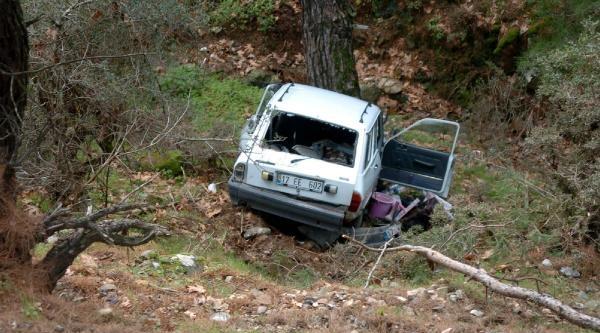 Minik Zeynep, Annesinin Kucağında Kazayı Sıyrıklarla Atlattı