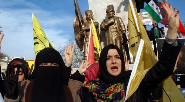 Misir'da Tutuklu Kiz Öğrenciler Için Eylem