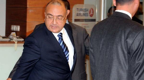 Misir'in Ankara Büyükelçisi Selahaddin, Eşyalarini Toplamak Için Türkiye'De