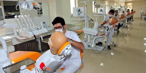 Miyazaki'nin Adi, Modern Diş Kiliniğinde Yaşatilacak
