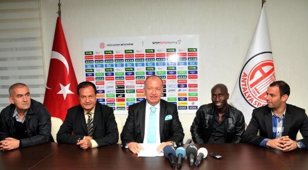 Mledical Park Antalyaspor'a Diarra'dan 3 Yillik Imza