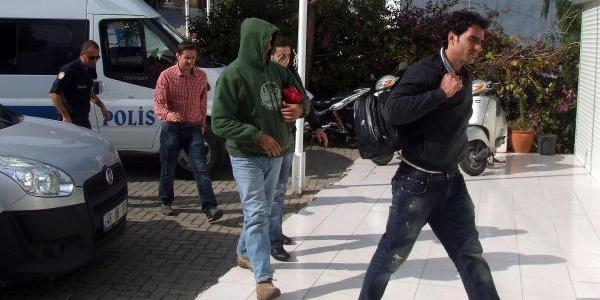 Motor Ariza Yapinca Kaçaklar Yakalandi- Ek Fotoğraflar