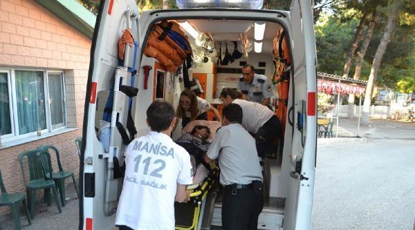 Motosiklet Bariyerlere Çarpti: 1 Ağır Yaralı