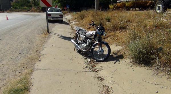 Motosiklet Devrildi, Sürücü Ağır Yaralandı