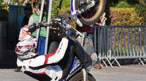Motosiklet Federasyonu 'şovmen' Ariyor