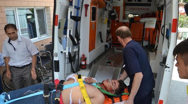 Motosiklet İle Otomobil Çarpişti: 1 Yaralı