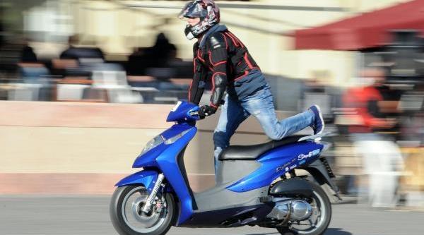 Motosiklet Şovmeni Olmak Için Yariştilar