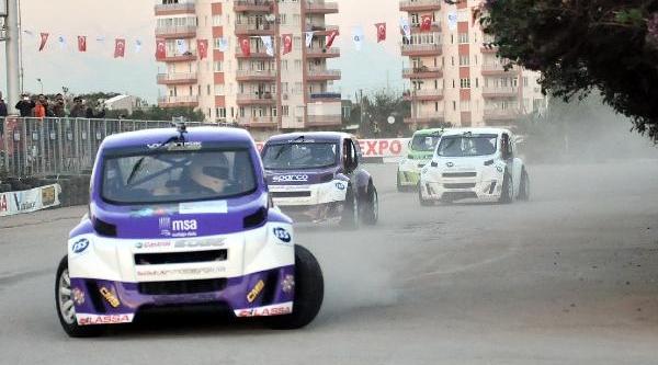 Motosikletçi Sofuoğlu: 30 Yaşina Geldim, Belki De Otomobile Dönmeliyim (2)